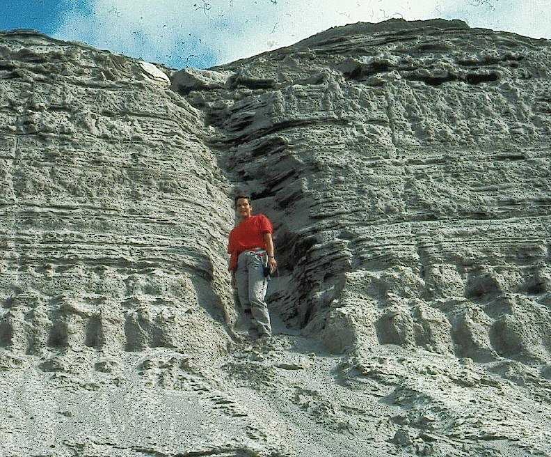 4 meter of layers after eruption St.Helens